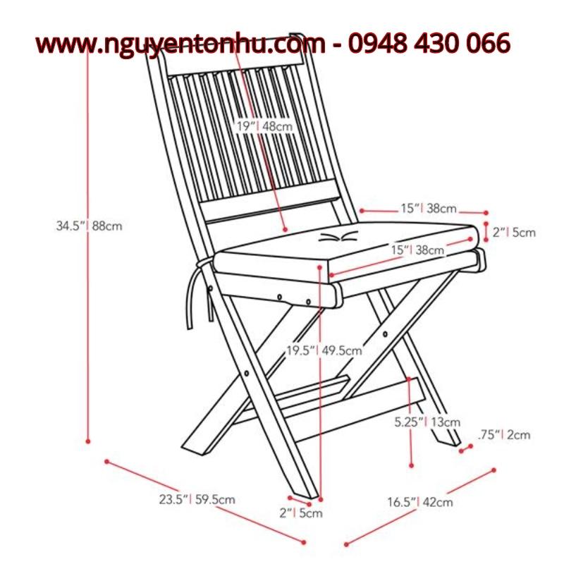 Bàn ghế gỗ nhỏ ngoài trời